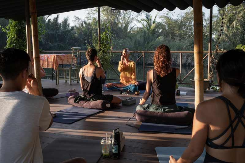 em-teaching-yoga