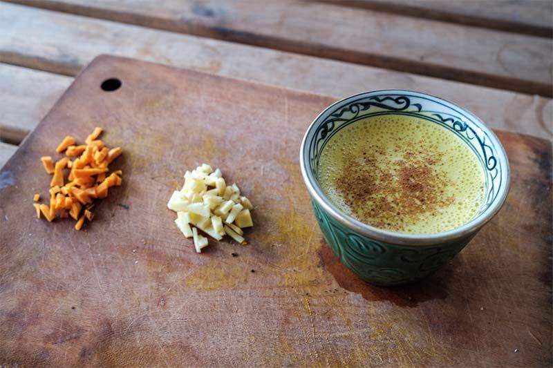 Turmeric latte for hair loss